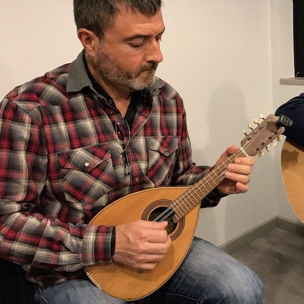 Clases de mandolina folk en Madrid