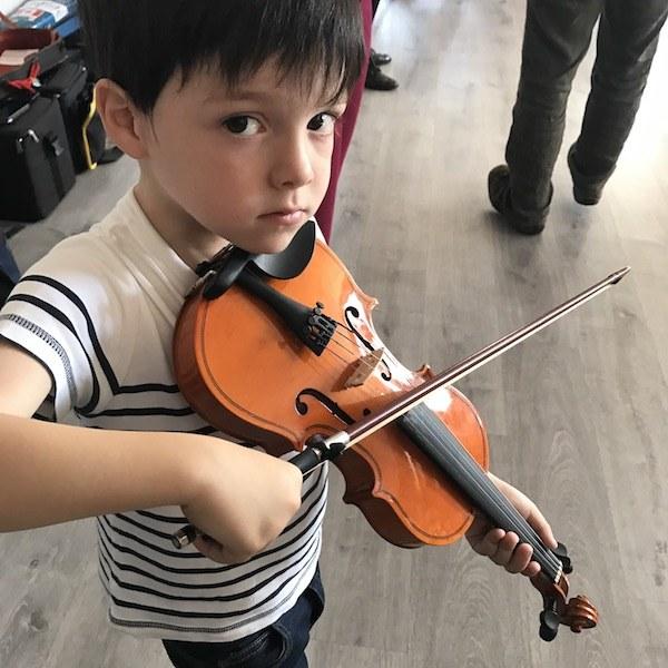 Clases de violin folk kids ( infantil ) en Madrid
