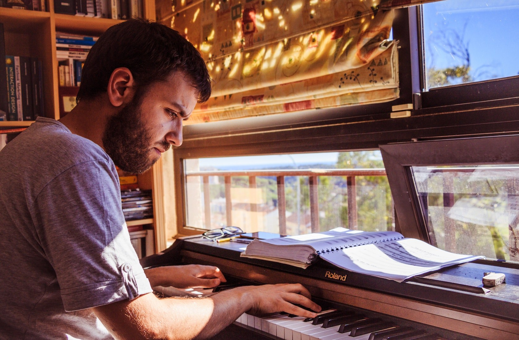 Clases de piano moderno en Madrid en A Píntega Marela