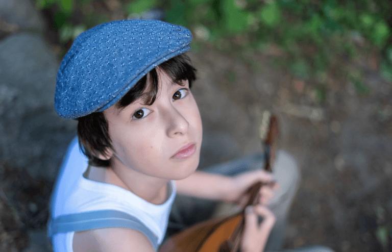 Música de niños mandolina y gaita
