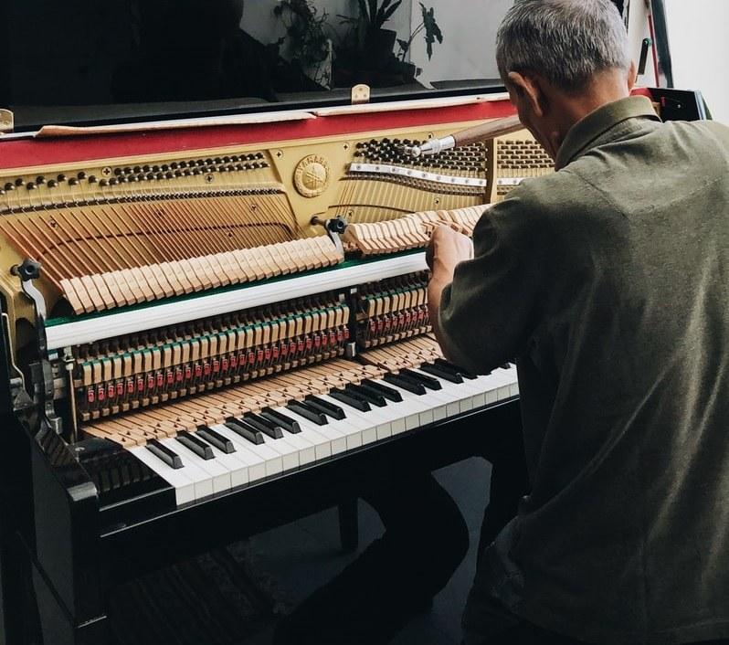 Partes del piano moderno en A Píntega Marela